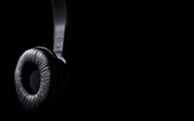 Music_Black_Black_Headphones_wawradio