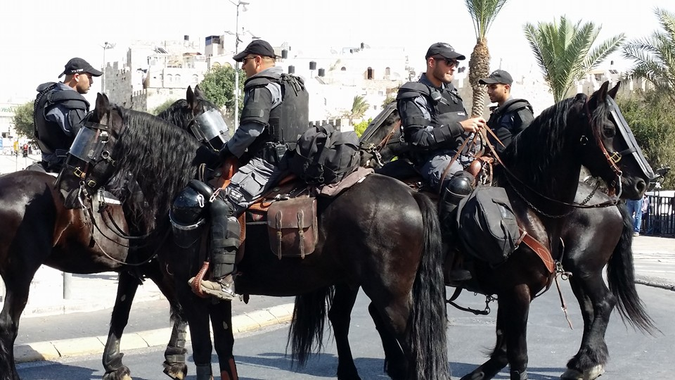 soldiers-at-damascus-gate-wawradio